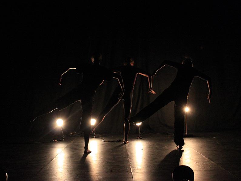 Samantha-Jane Gray, Yeva & Thoenn Glover. Photo: Rob Sondergaard