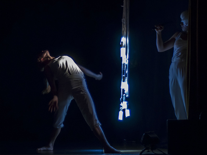 Yeva & Thoenn Glover. Photo: Rob Sondergaard